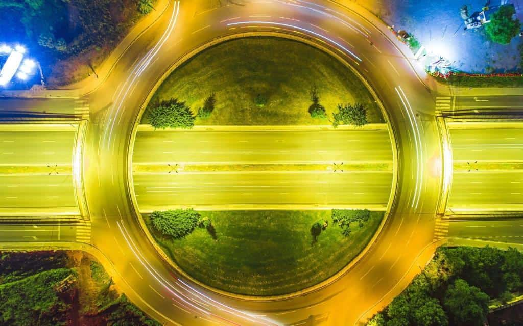 Conduire dans un giratoire