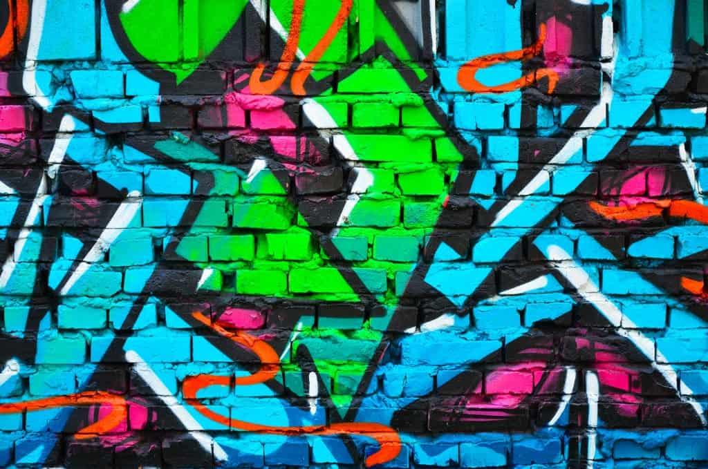 Graffitis : entre illégalité et art